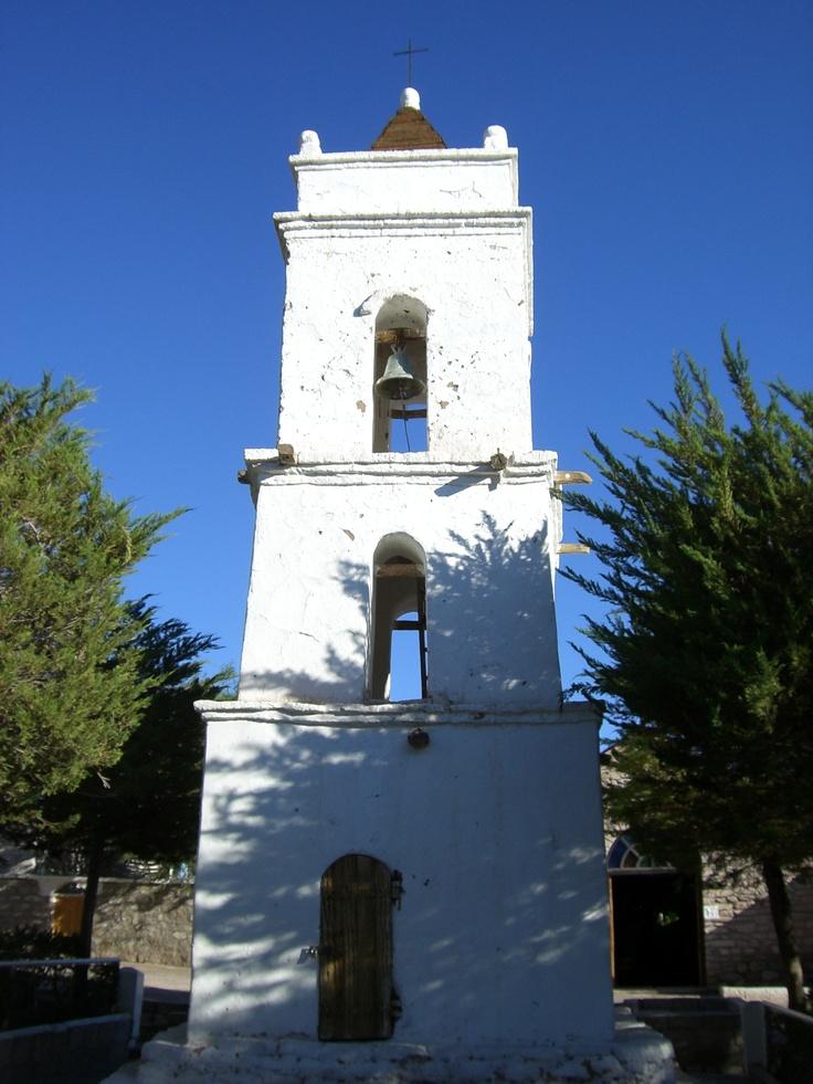 Esta iglesia pequeña es un ejemplo a la antigua edificios en Chile. Yo fue a mucho iglesias mientras en Chile.