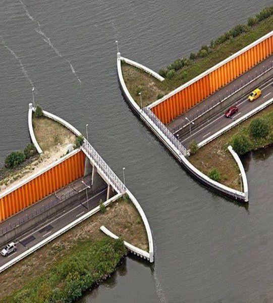 Underwater Diving Bridge - Netherlands