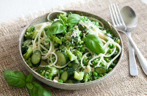 Паста Примавера: спагетти из киноа c весенними овощами