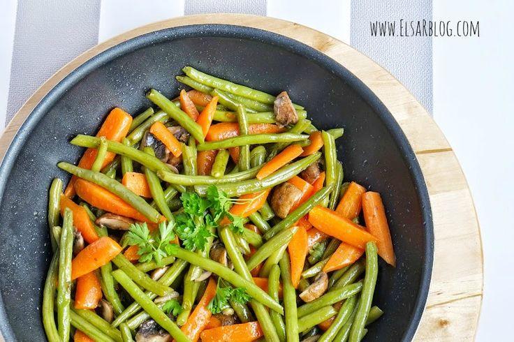 Een lekker recept met worteltjes en sperziebonen als bijgerecht. Dit recept past heelijk bij varkenshaas, biefstuk of kip uit de oven. Dit recept heeft ook veel vitamines.