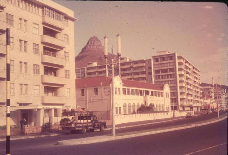 Sea Point of Late - There was a time when there were numerous hotels along the Sea Point Beach Front. Not modern glitzy hotels, but old fashioned hotels, two or three storeys high. www.globalbuzz-sa.com/ct