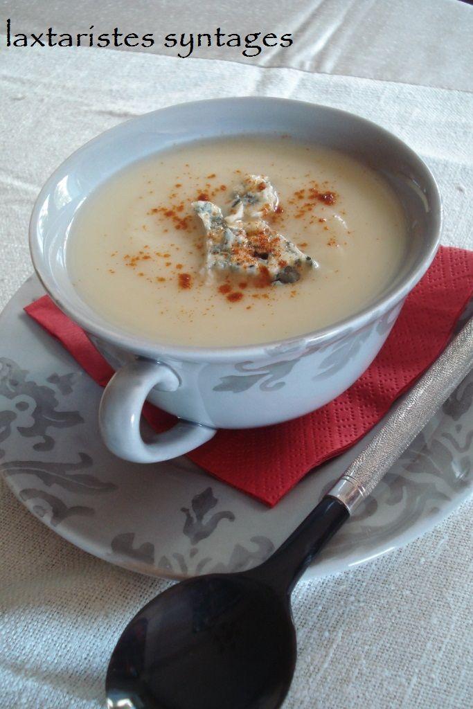 Σούπα βελουτέ με σελινόριζα και ροκφόρ http://laxtaristessyntages.blogspot.gr/2012/02/blog-post_26.html