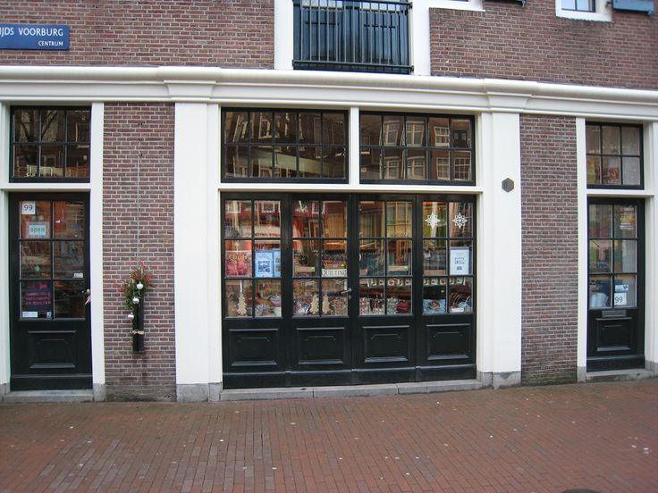Birdblocks fabric Amsterdam   Niewezijds Voorburgwal 99 1012 RE  Tues - Sat 10-5