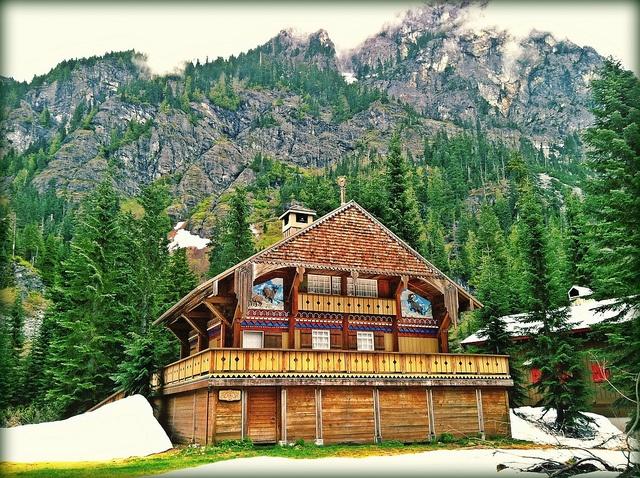 17 best images about ski resort design on pinterest for Design skihotel