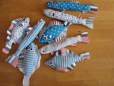 Fiskespil komplet med søm i mundene på fiskene, tal på bagsiden samt en kraftig magnet.