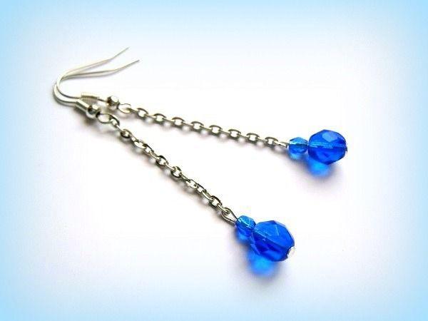 Boucles d'oreilles pendantes boheme bleu et argentées unique créateur : Boucles d'oreille par papillon-sucre
