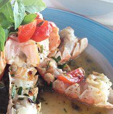 Η πιο συμπυκνωμένη γεύση καραβίδας που έχετε ποτέ δοκιμάσει! Αρκεί να έχετε πραγματική υπομονή για να συμπυκνώσετε τον ζωμό από τα θαλασσινά