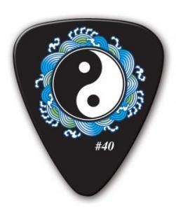 cool guitar picks guitar pick features the yin yang design use for your guitar guitar. Black Bedroom Furniture Sets. Home Design Ideas