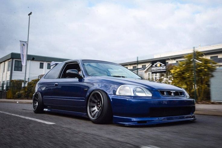 Slammed Honda Civic EK5 hatchback on Coliovers and XXR Rims #performance #parts