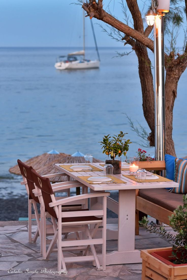 Cafe by the sea, Kamari, Santorini