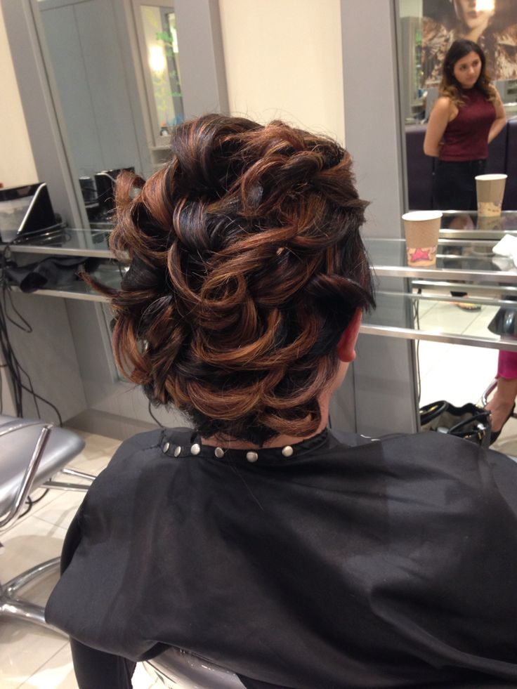 Beautiful up do on short hair for Indian wedding