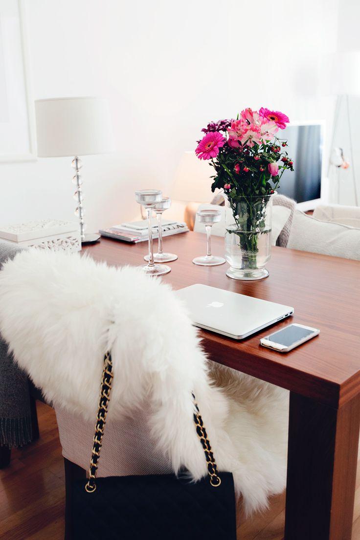 Urban home | home decor | home office | apartment | loft | desk | chair | modern home | interior design | DIY | Schomp MINI