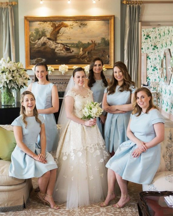 Jerry Rose, a Simon family friend, created bouquets of lily of the valley and peonies for the bride and bridesmaids to match the property's beloved garden.
