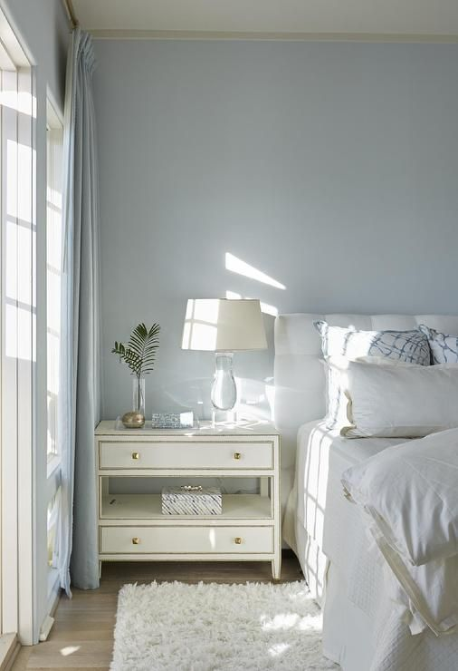 Best White And Blue Bedroom Features Walls Painted Sky Blue 640 x 480