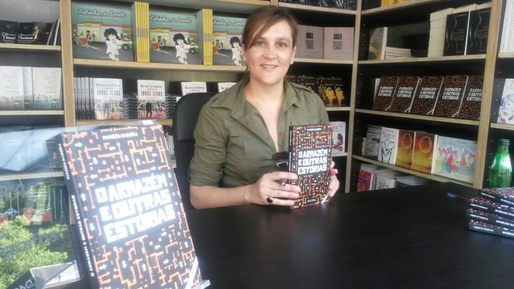 Live @ Lisbon Book Fair. Book Signing of O Armazém e Outras Estórias/The Warehouse and Other Stories print edition. #oarmazemeoutrasestorias