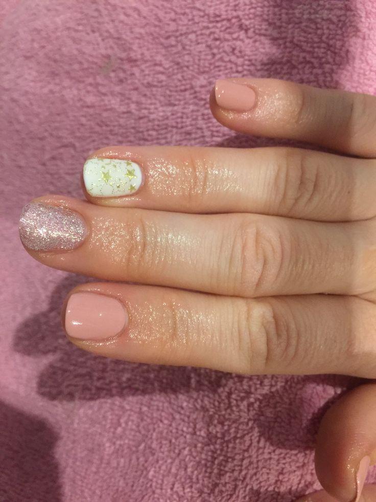 Ongles en gel. Vernis semi permanent. Deco nail art déco d'été