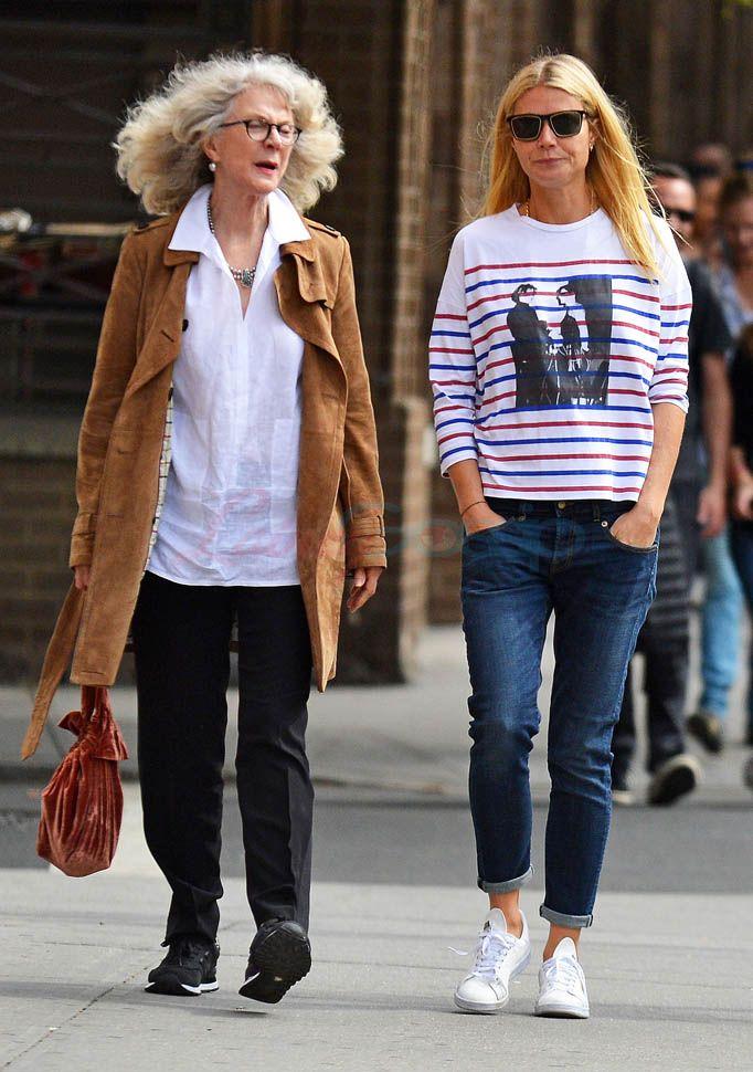 gwyneth paltrow 2015 dating Gwyneth paltrow is reportedly engaged to brad  gwyneth paltrow is reportedly engaged to brad falchuk after three years of dating )  the duo didn't go public until sept 2015 more .