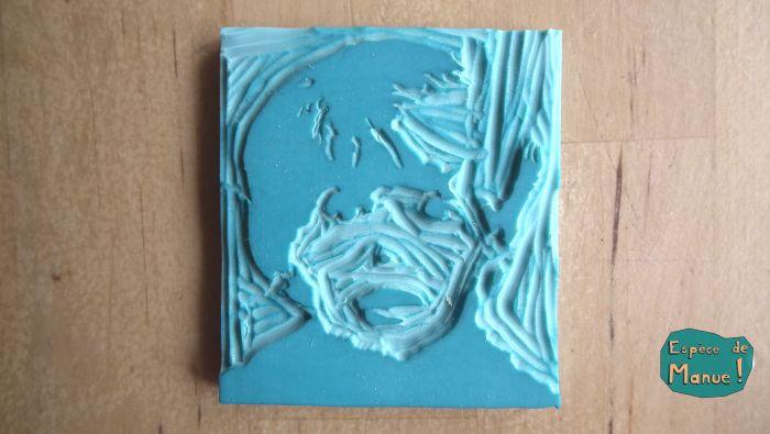 Maieuh... c'était le dernier morceau de chocolat !! Gravure sur gomme - tampon - stamp DIY - par Espèce de Manue !
