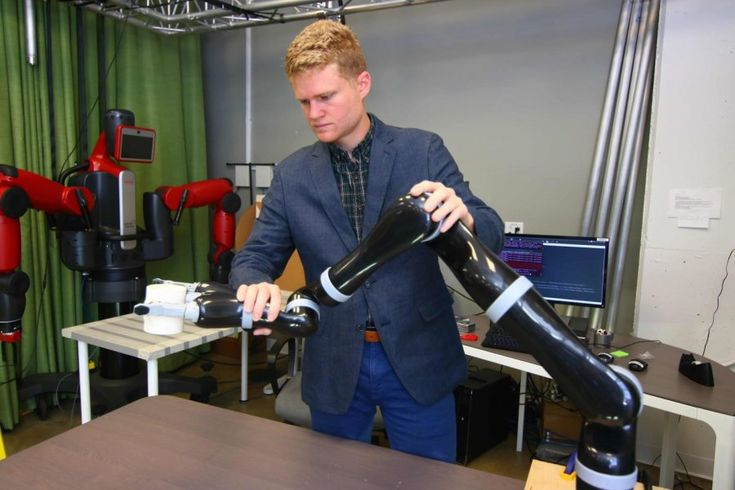 Helping hands guide robots as they learn https://www.sciencedaily.com/releases/2017/12/171204094928.htm