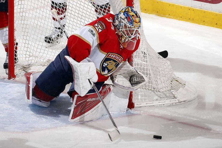 SUNRISE, FL - MARCH 23: Goaltender James Reimer #34 of the Florida Panthers defends the net against the Arizona Coyotes at the BB&T Center on March 23, 2017 in Sunrise, Florida. (Photo by Eliot J. Schechter/NHLI via Getty Images)