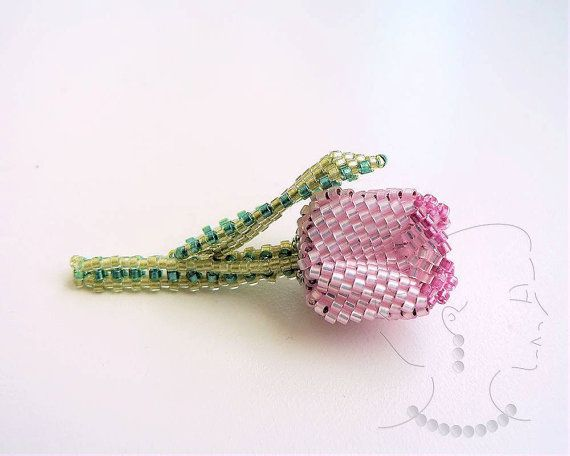 *P Instant Download Tiny Tulip Pin / Brooch Beading by SamohtaC
