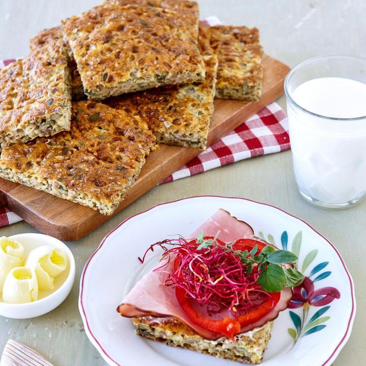Ett proteinrikt och glutenfritt bröd som är perfekt till både frukost och mellis.