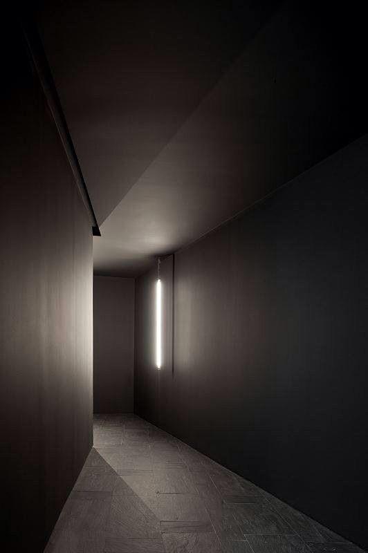 subtle lighting. dark walls subtle lighting