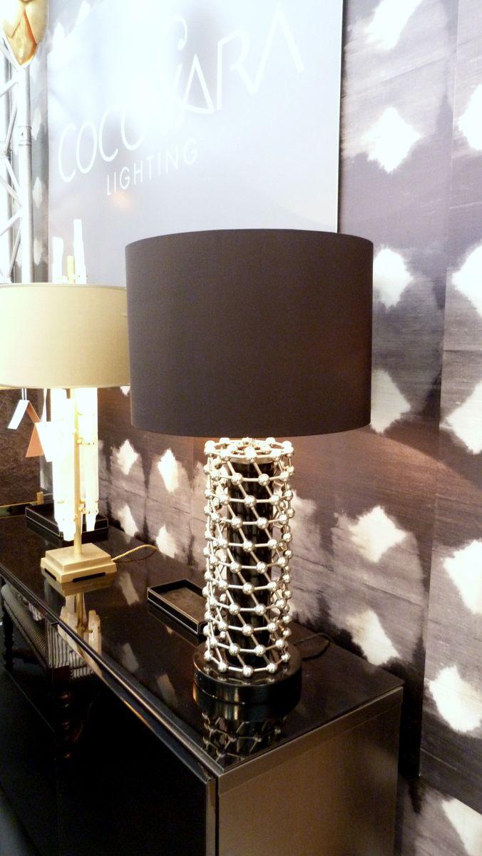 Atomium table lamp