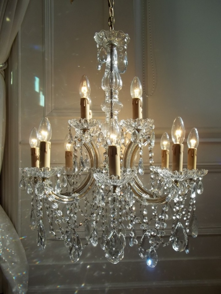 Chandelier Ideas, Hanging Lights, Crystal Chandeliers, Candelabra, French  Vanilla, Lighting Ideas, Lamp Light, French Vintage, Sconces - 418 Best ❀...Chandeliers & Crystal Drops Images On Pinterest