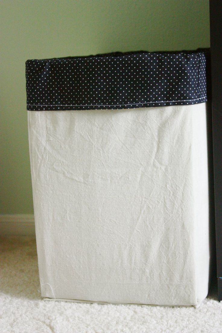 Cardboard laundry hamper - DIY