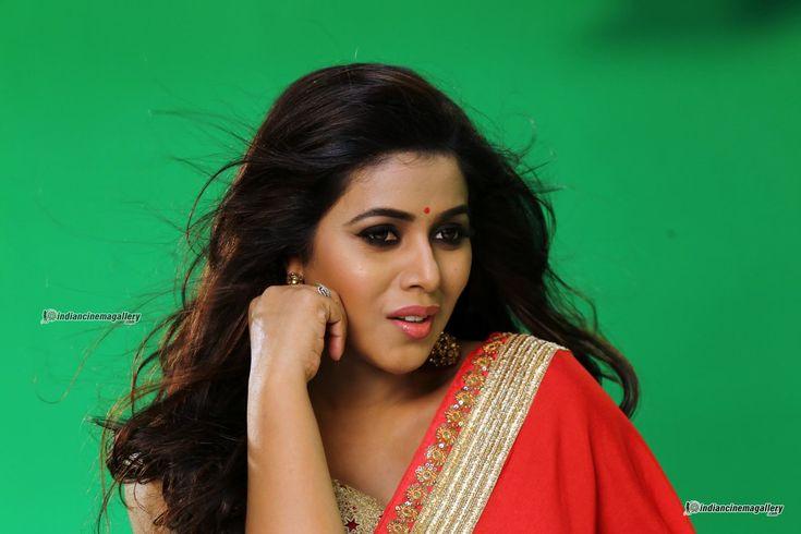 Poorna shamna kasim in rakshasi song (9)