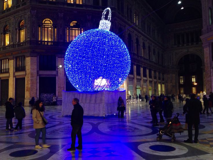 Napoli (IT), Galleria Umberto I, Christmas 2013.