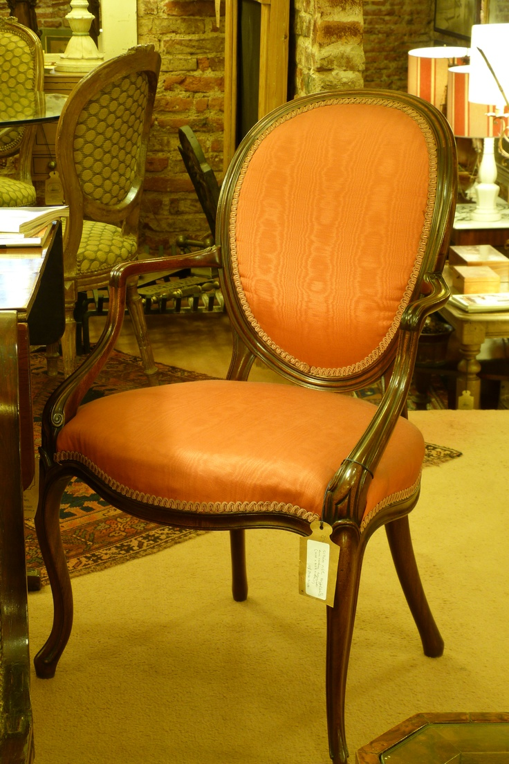 Visit mayflower con cientos de muebles y objetos for Compra de objetos antiguos