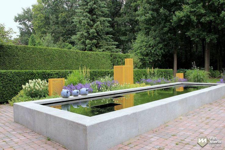 06   Moderne tuin met strakke vijver   Van Mierlo Tuinen
