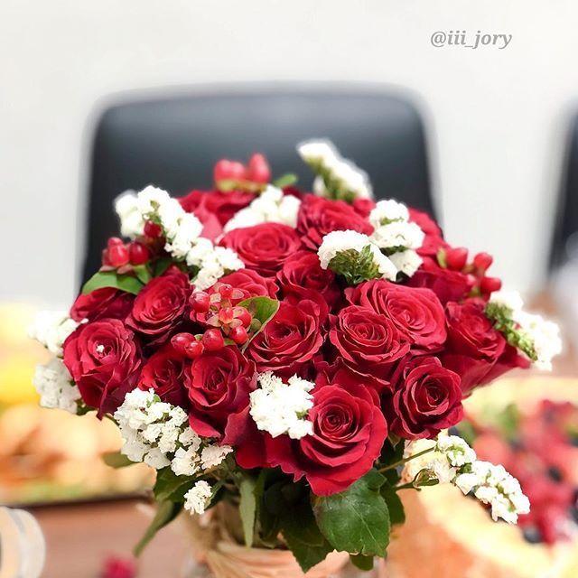 أنت أجمل من جمال الورد في باقة زهور Floral Wreath Floral Wreaths