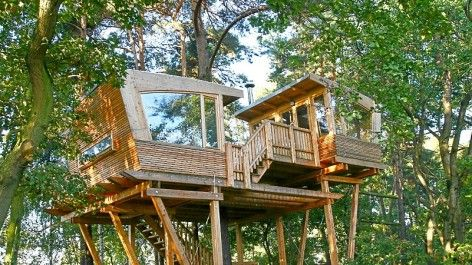 25 best baumhaus images on pinterest treehouse treehouses and tree forts. Black Bedroom Furniture Sets. Home Design Ideas