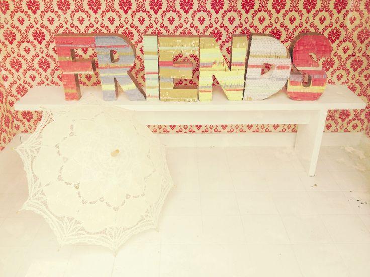 Piñatas Letras para el Día del Amigo! Www.tiendadoilies.com.ar