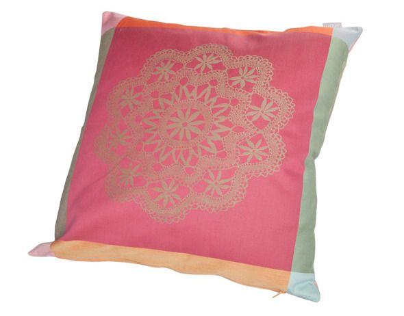 Perna roz cu imprimeu