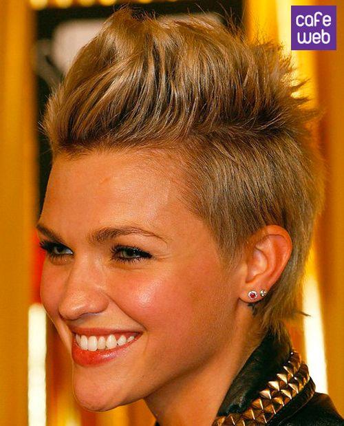 Risultato della ricerca immagini di Google per http://www.cafeweb.it/wp-content/gallery/tagli-capelli-corti-2013-autunno-inverno/tagli-capelli-corti-2013-autunno-inverno-8.jpg