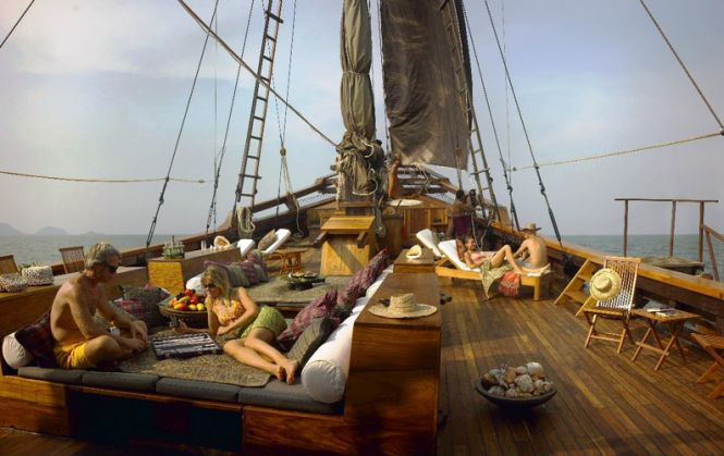 S/V Silolona - Registry: Bali, Indonesia   Launched: July 2004  Builders: Konjo Boat Builders  Style: Traditional Gaff Rig Phinisi