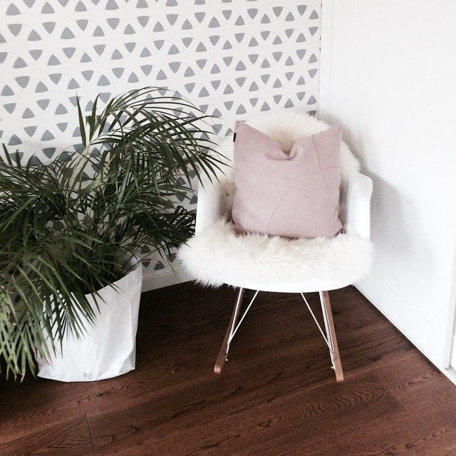Flow wallpaper and Flow Cushions from by Lassen.  Photo credit: @toneroeda