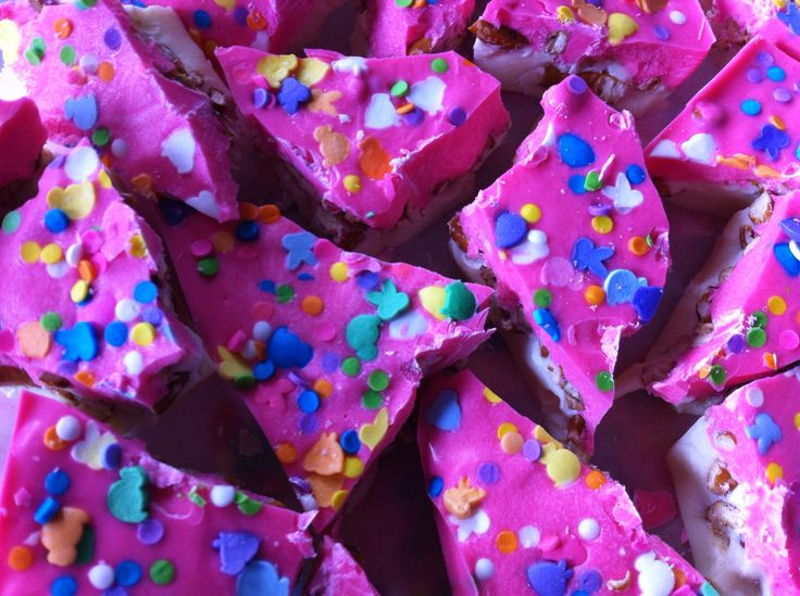 Pink and white chocolate pretzel bites