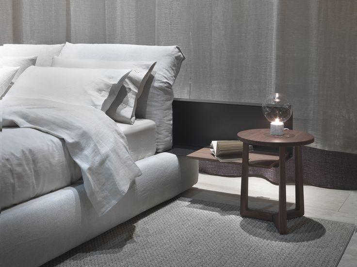 #FLEXFORM NEWBRIDGE #bed #design Carlo Colombo. Find out more on www.flexform.it