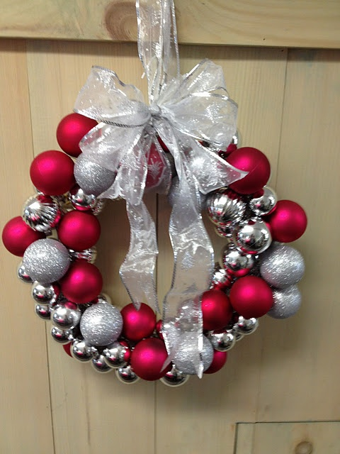 Make a Christmas Wreath. but NOT in cougar colors