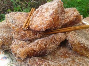 Las torrijas son un postre típico de Cuaresma y Semana Santa. También las podemos preparar de miel. En ese caso, hacemos una melaza pon...