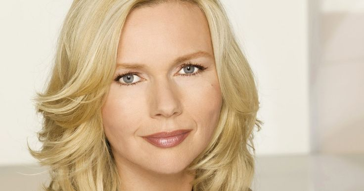 John Travolta's 'A Three Dog Night' Adds Veronica Ferres -- The German actress joins Salma Hayek in this adaptation about a husband who is left without his memory after a horrific car crash. -- http://www.movieweb.com/news/john-travoltas-a-three-dog-night-adds-veronica-ferres