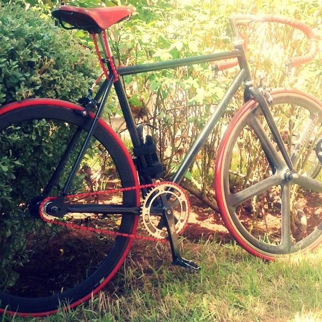 #aerospoke#brooks#velo#fixedgear#fixielove#pignonfixe#fixe#fixie#bike#morocco#casablanca#abus#rougeetnoir#mynewbike