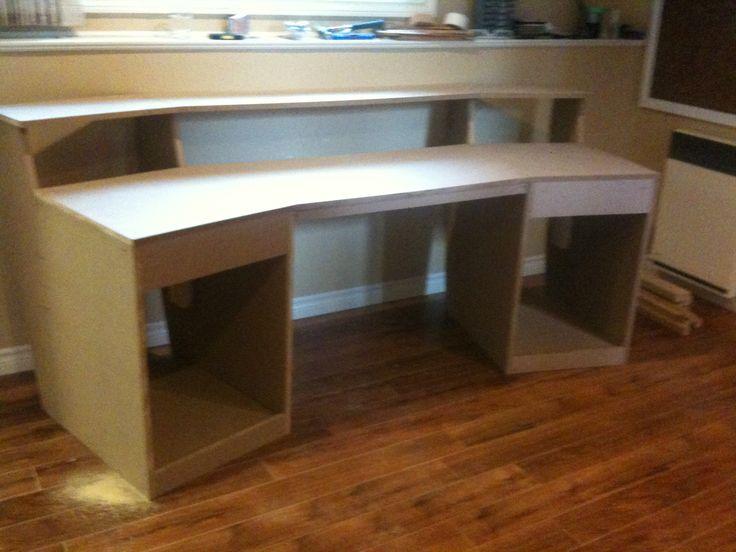 Best 25 studio desk ideas on pinterest studio desk for Home studio plans