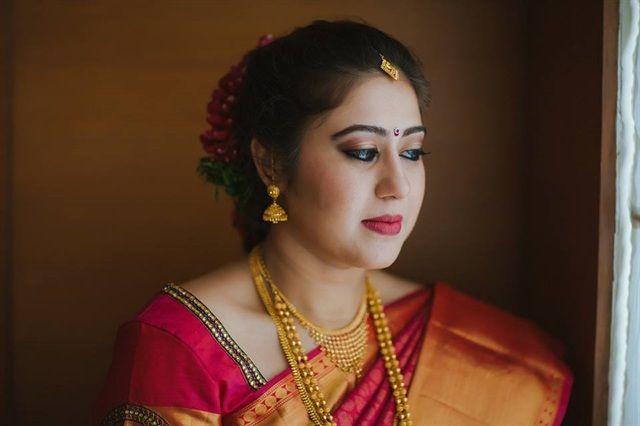 Get some awesome #tips and tricks on #IndianBridalMakeup. #Engagementmakeup #partymakeup #sareedraping #jewelery