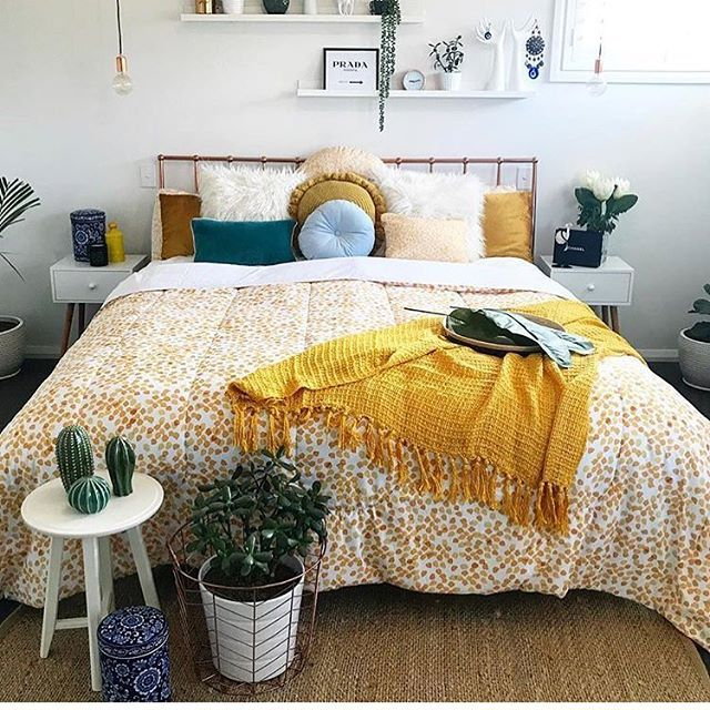 Y E L L O W 🌞 is the colour of sunshine it's associated with JOY, happiness, intellect, and energy! No wonder I love it so much 🤗 this Wattle Comforter is so delightfully cheerful. . . #homedecorlovers #bedroominspo #bedroomstyle #bedroomdecor #beddingset #breakfastinbed #wakeuphappy #yellowislove #bedroomstyle #wattleprint #homedecorlovers #interiordesign #interior4all #interiorandhome #interør #interiorinspo